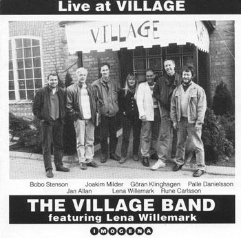 Villagebandet cd. Cd utgiven av Village med Villagebandet och Lena Willemark. Foto: Gunnar Holmberg